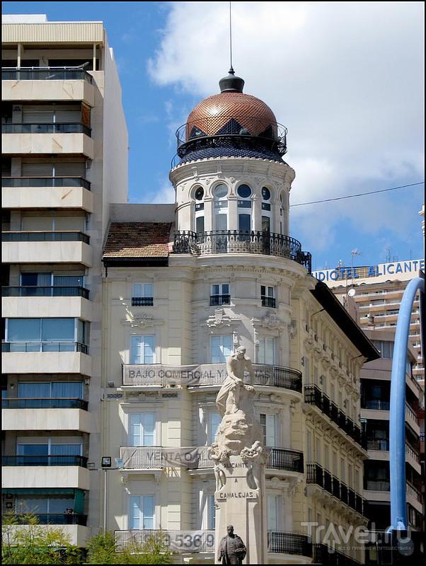 Monumento a Canalejas в Аликанте, Испания / Фото из Испании