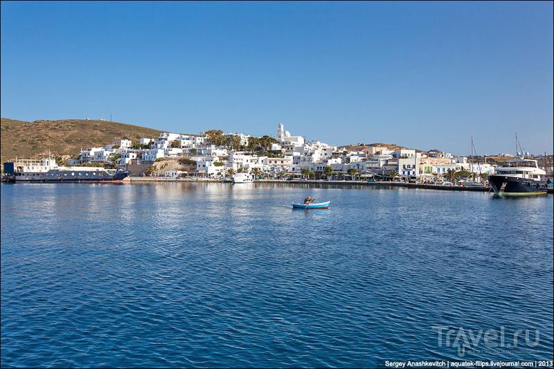 Город Адамас на острове Милос, Греция / Фото из Греции