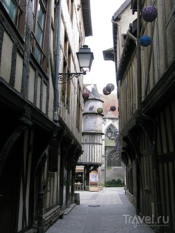 В городе Труа, Франция / Фото из Франции