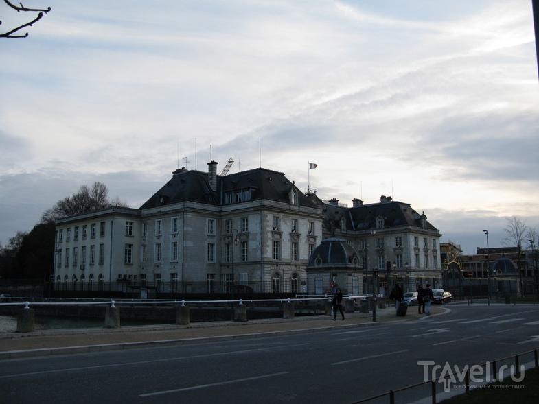 Труа великолепный / Фото из Франции