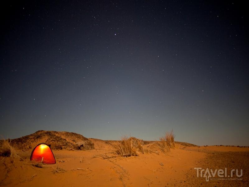 Единственный вариант размещения посреди структуры Ришат - ночлег в палатке / Мавритания