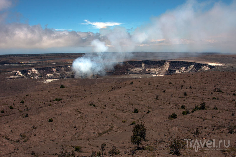 Kilauea Crater, Volcanoes National Park, США  / Фото из США