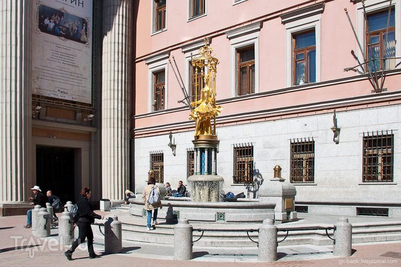 """Памятник-фонтан """"Принцесса Турандот"""" в Москве, Россия / Фото из России"""