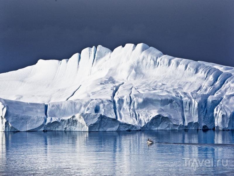 Лучший способ насладиться пейзажами гренландского фьорда Илулиссат - отправиться в круиз / Гренландия
