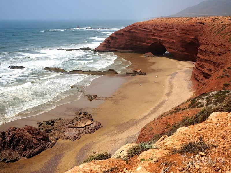 Безлюдный пляж Легзира в Марокко / Марокко