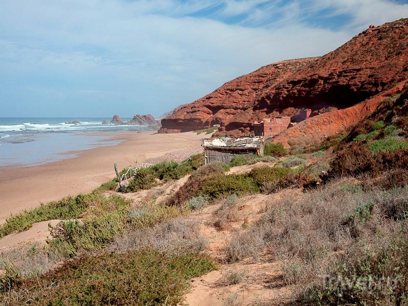 Живописный пляж Легзира в Марокко / Марокко