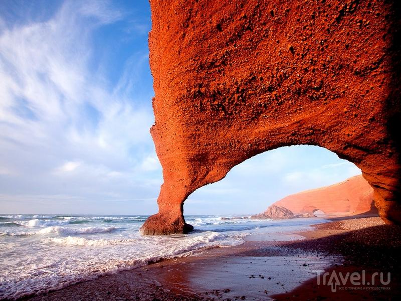 На пляж Легзира в Марокко приезжают за выразительными ландшафтами / Марокко