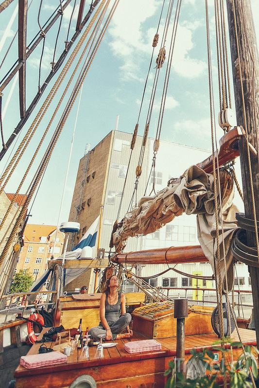 Корабль-хостел в Копенгагене / Дания