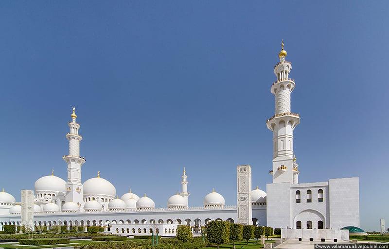 Мечеть шейха Зайда в Абу-Даби, ОАЭ / Фото из ОАЭ