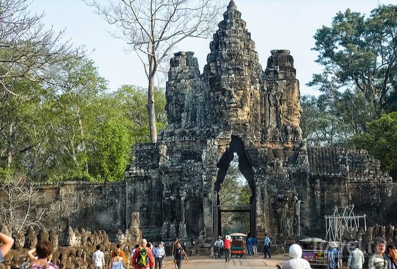 Слоновые ворота в Ангкор-Тхоме, Камбоджа / Фото из Камбоджи