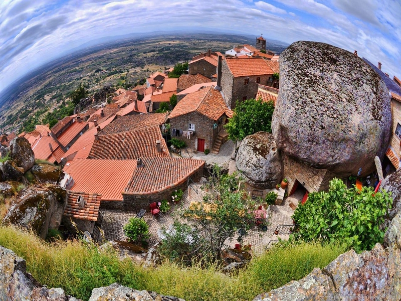 За восемь столетий городской ландшафт Монсанто не изменился, Португалия / Португалия