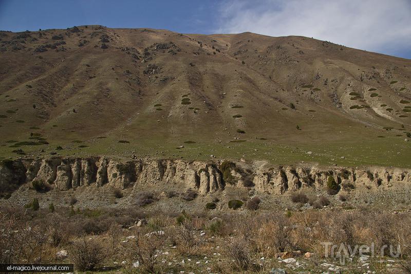 Кегетинский водопад, ущелье Иссык-Ата и Будда XII века / Фото из Киргизии