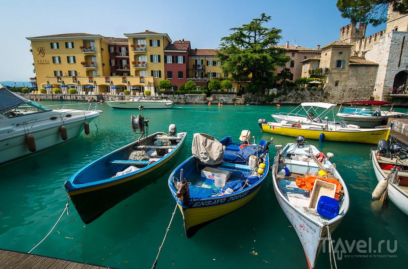 В городе Сирмионе, Италия / Фото из Италии