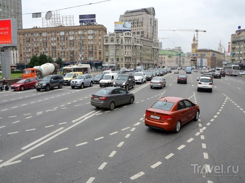 Небольшая пробка на Смоленской-Сенной площади заняла около 10-15 минут