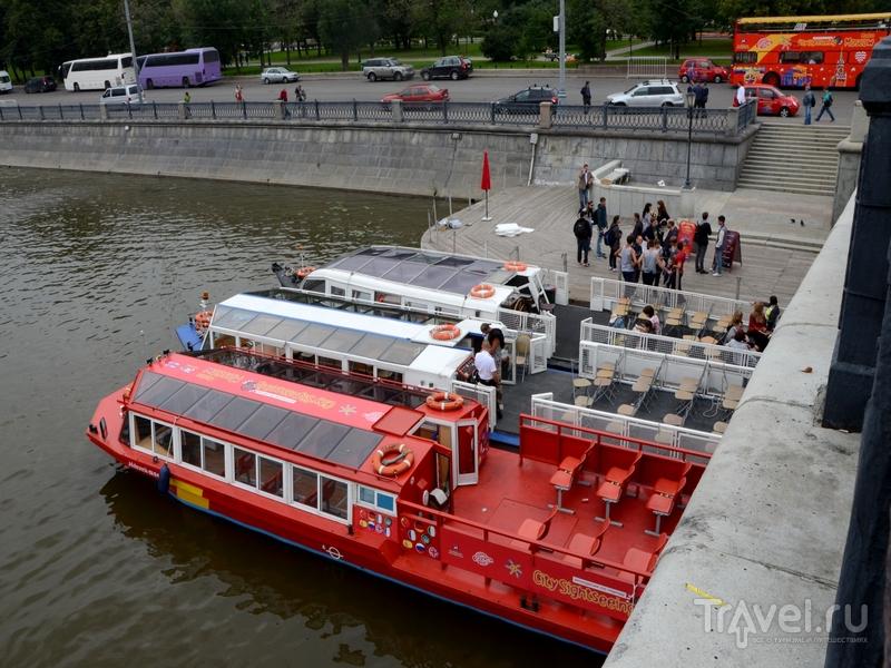 Стоянка речных трамвайчиков City Sightseeing на Водоотводном канале