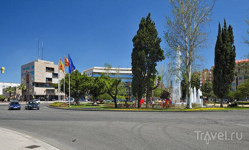 Площадь Plaça de la Imperial Tàrraco в Таррагоне, Испания / Фото из Испании