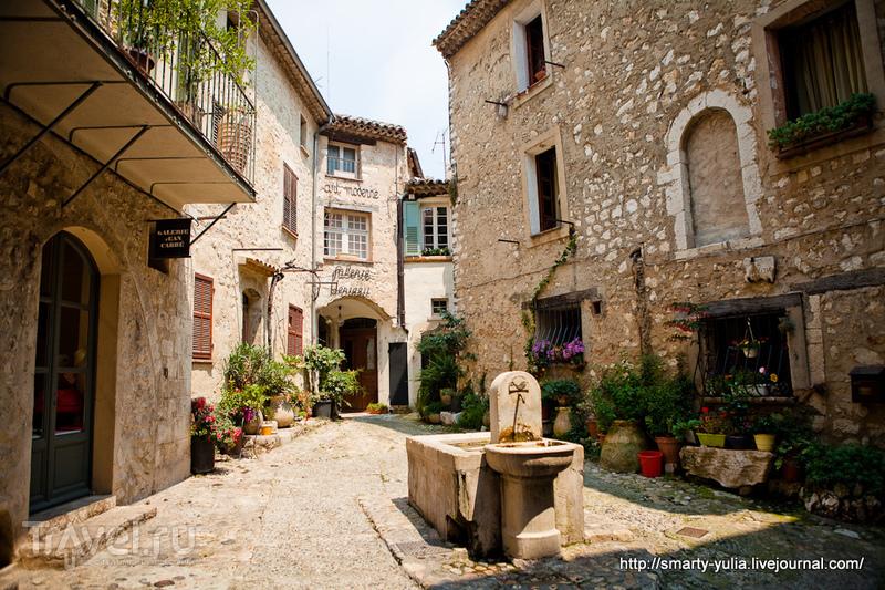 В городе Сен-Поль-де-Ванс, Франция / Фото из Франции