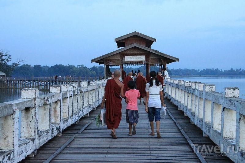 В городе Амарапура, Мьянма / Фото из Мьянмы