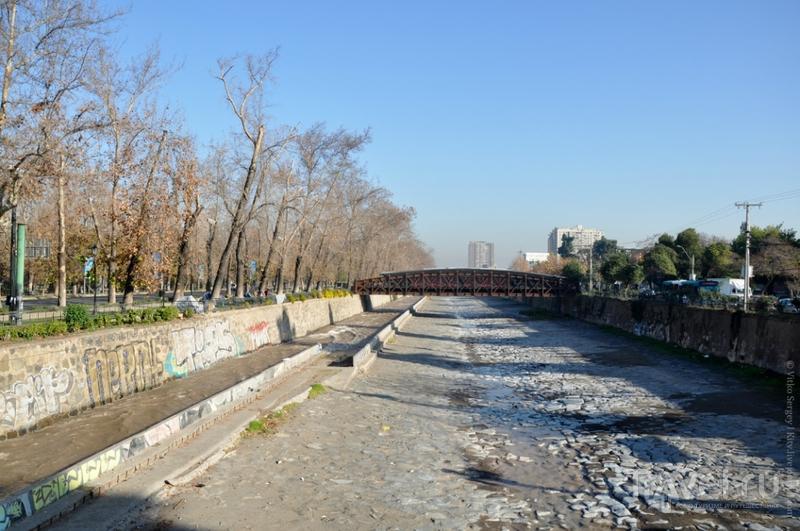 Река Мапочо  в Сантьяго, Чили / Фото из Чили
