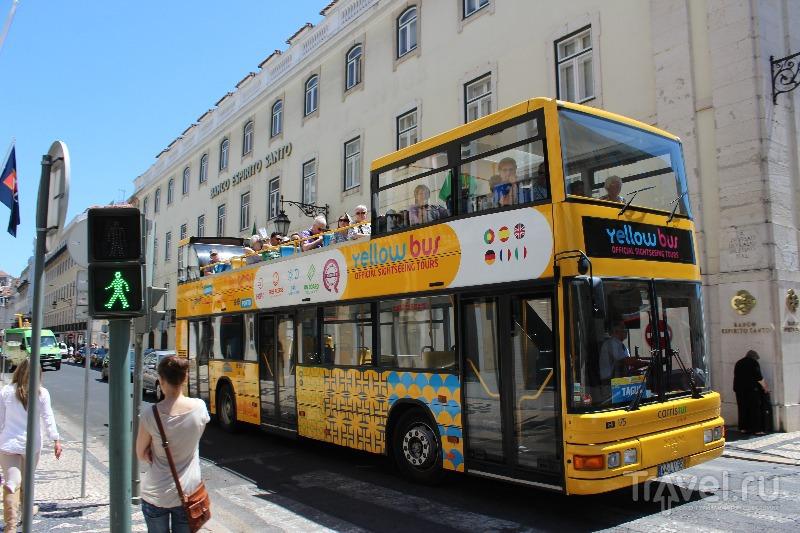 Экскурсионный автобус в Лиссабоне, Португалия / Фото из Португалии