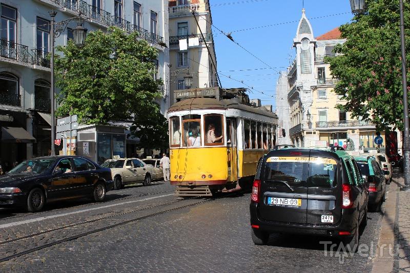 Трамвай в Лиссабоне, Португалия / Фото из Португалии