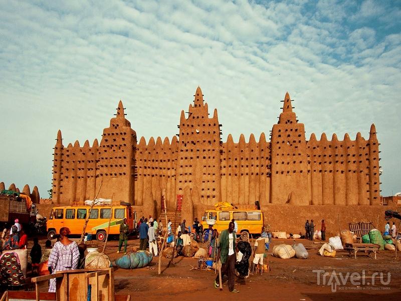 В 1988 году историческая часть Дженне была включена в Список Всемирного наследия ЮНЕСКО, Мали / Мали