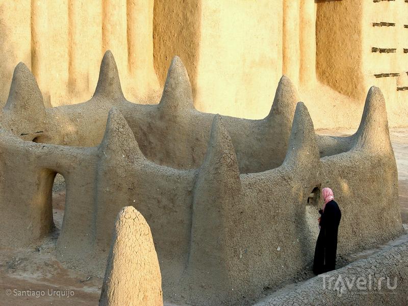 Великая мечеть Дженне считается самым большим глинисто-наносным зданием в мире, Мали / Мали