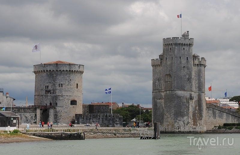 Цепная башня и башня Святого Николая в Ла-Рошеле, Франция / Фото из Франции
