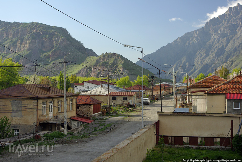 В поселке  Степанцминда, Грузия / Фото из Грузии