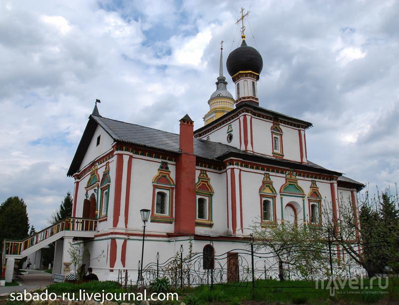 Свято-Троицкий Ново-Голутвин монастырь в Коломне, Россия / Фото из России