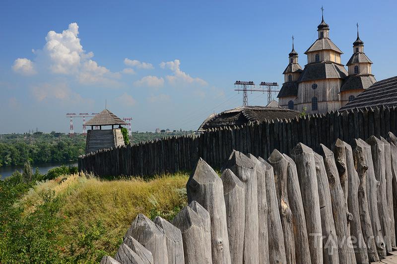 Реконструкция  поселения казаков на острове Хортица, Украина / Фото с Украины