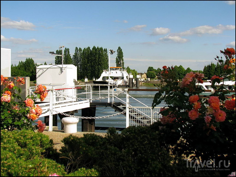 Паромная переправа в Дюклер (Duclair). Франция / Франция