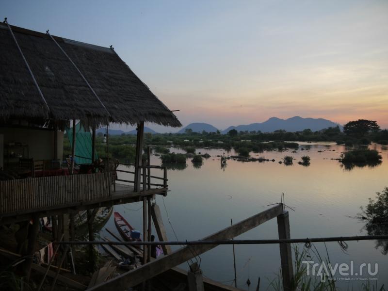 Один из четырех тысяч островов Лаоса / Лаос