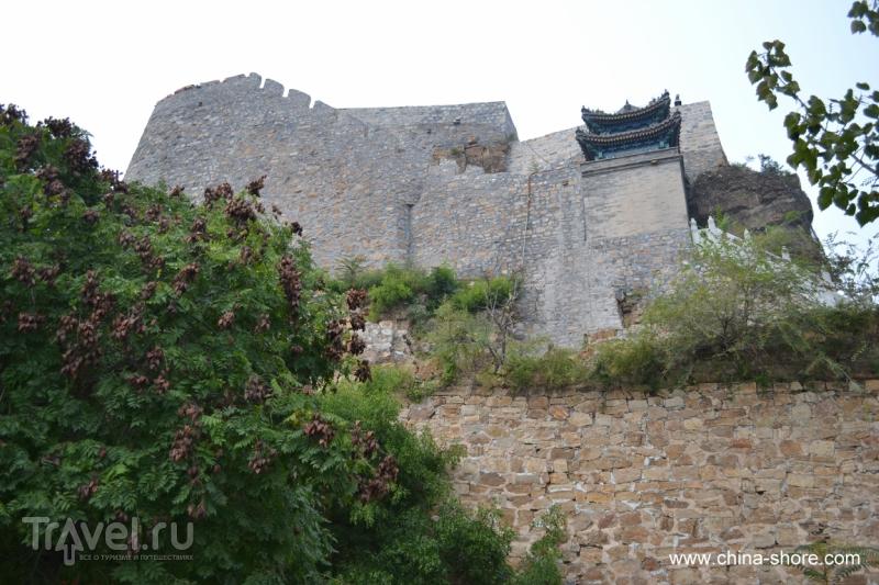 Даосские храмы в горах Яцзышань / Китай