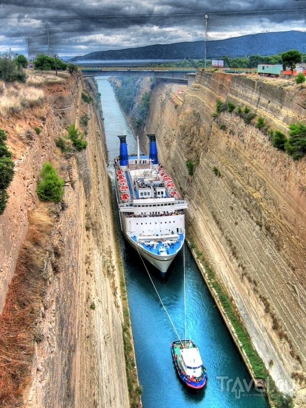 Коринфский канал был построен во второй половине XIX века / Греция