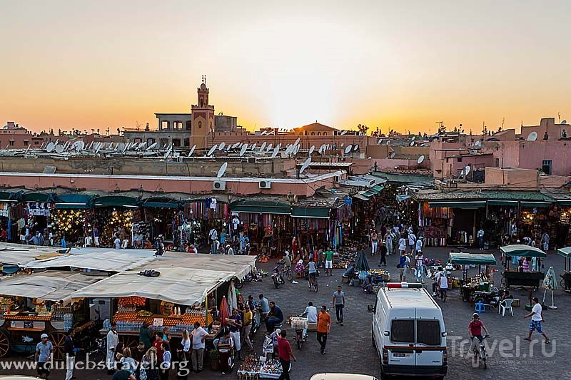 Марракеш. Площадь Джема-эль-Фна / Марокко