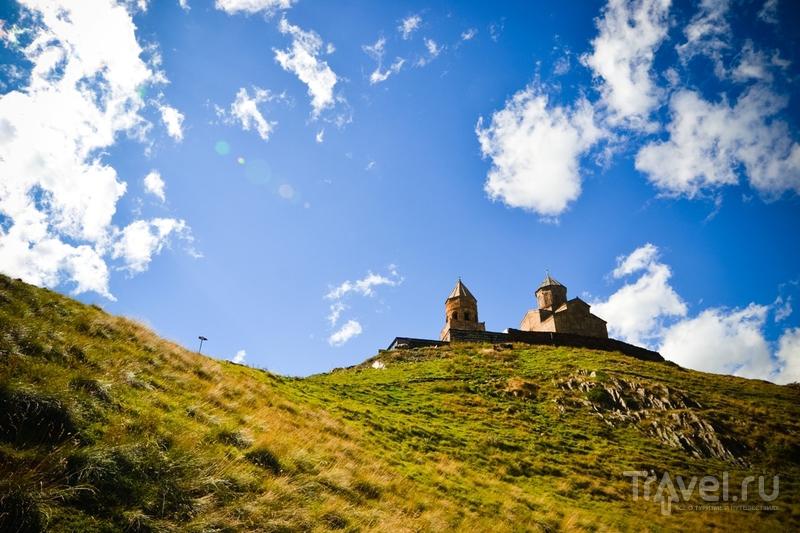 Храм Святой Троицы над селом Гергети, Грузия / Фото из Грузии