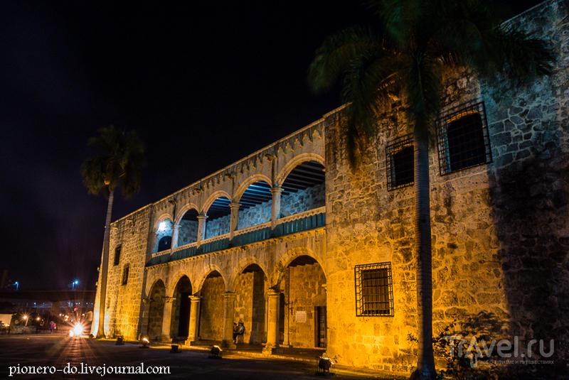 Дворец Диего Колумба на площади Испаниии в Санто-Доминго, Доминикана / Фото из Доминиканской Республики