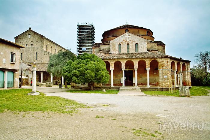 Церковь Санта Фоска на острове Торчелло, Италия / Фото из Италии