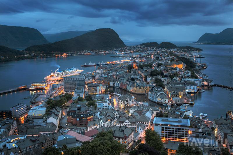 В городе Олесунд в Норвегии / Фото из Норвегии
