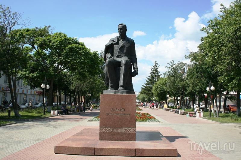 Памятник Сергею Григорьевичу Чавайну в Йошкар-Оле, Россия / Фото из России