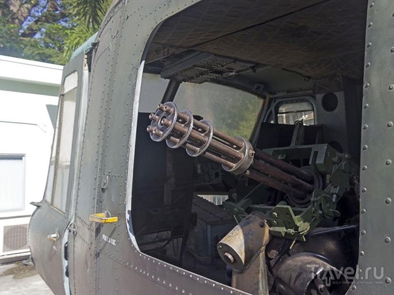 """Пулемет M134 """"Миниган"""" из экспозиции военного музея в Хошимине, Вьетнам / Фото из Вьетнама"""