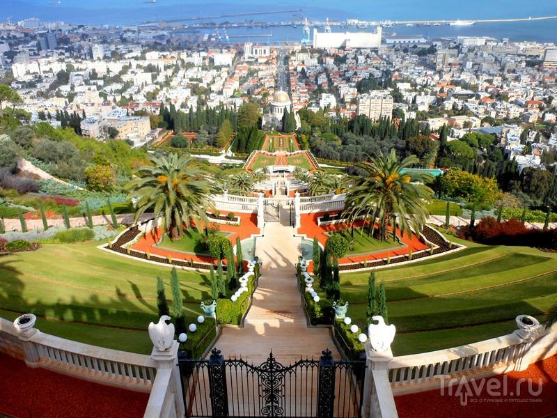 Бахайские сады террасы ведущие к Хайфскому заливу