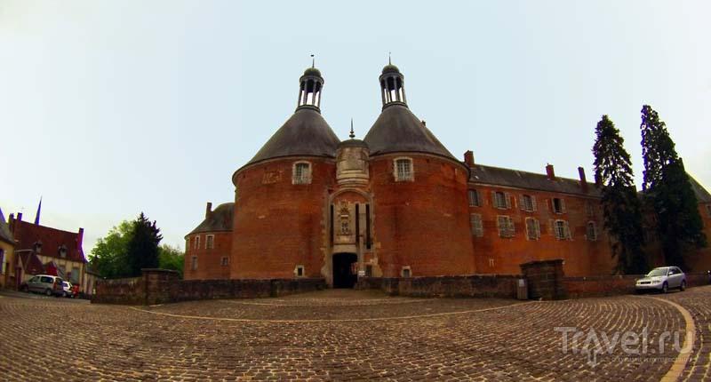 Замок Сен-Фаржо в одноименном городе, Франция / Фото из Франции
