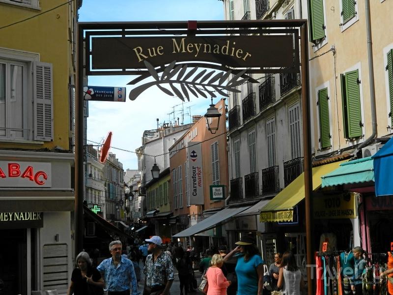 Улица rue Meynadier в Каннах, Франция / Фото из Франции