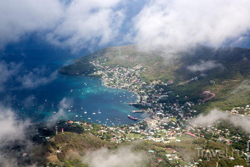 Город-столица Порт-Элизабет на острове Бекия / Фото с Сент-Винсента и Гренадин