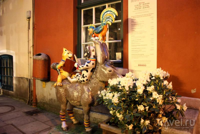Бременские музыканты в квартале Шнур, город Бремен, Германия / Фото из Германии