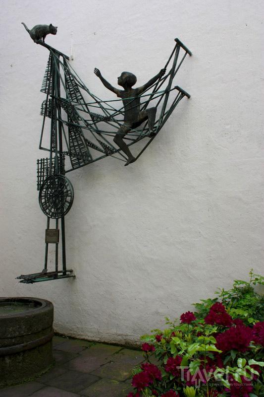 Скульптура в Шнуре, Бремен, Германия / Фото из Германии