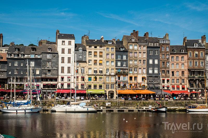 Набережная Святой Екатерины в Онфлере, Франция / Фото из Франции