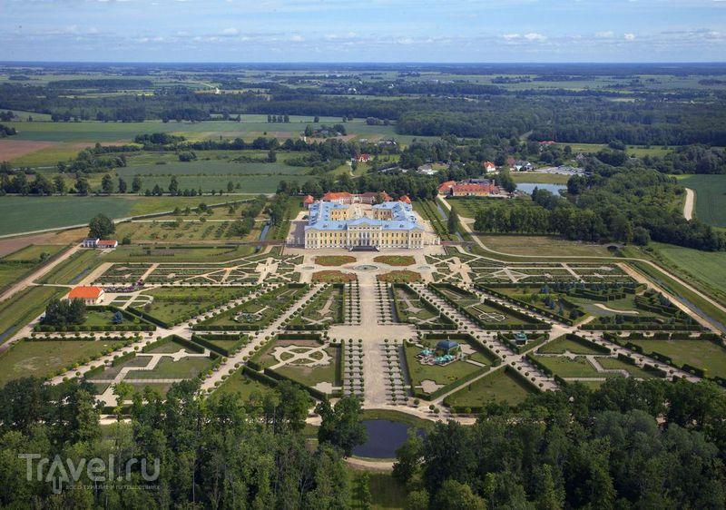 Rundāles pils - жемчужина дворцового ландшафта Латвии / Фото из Латвии